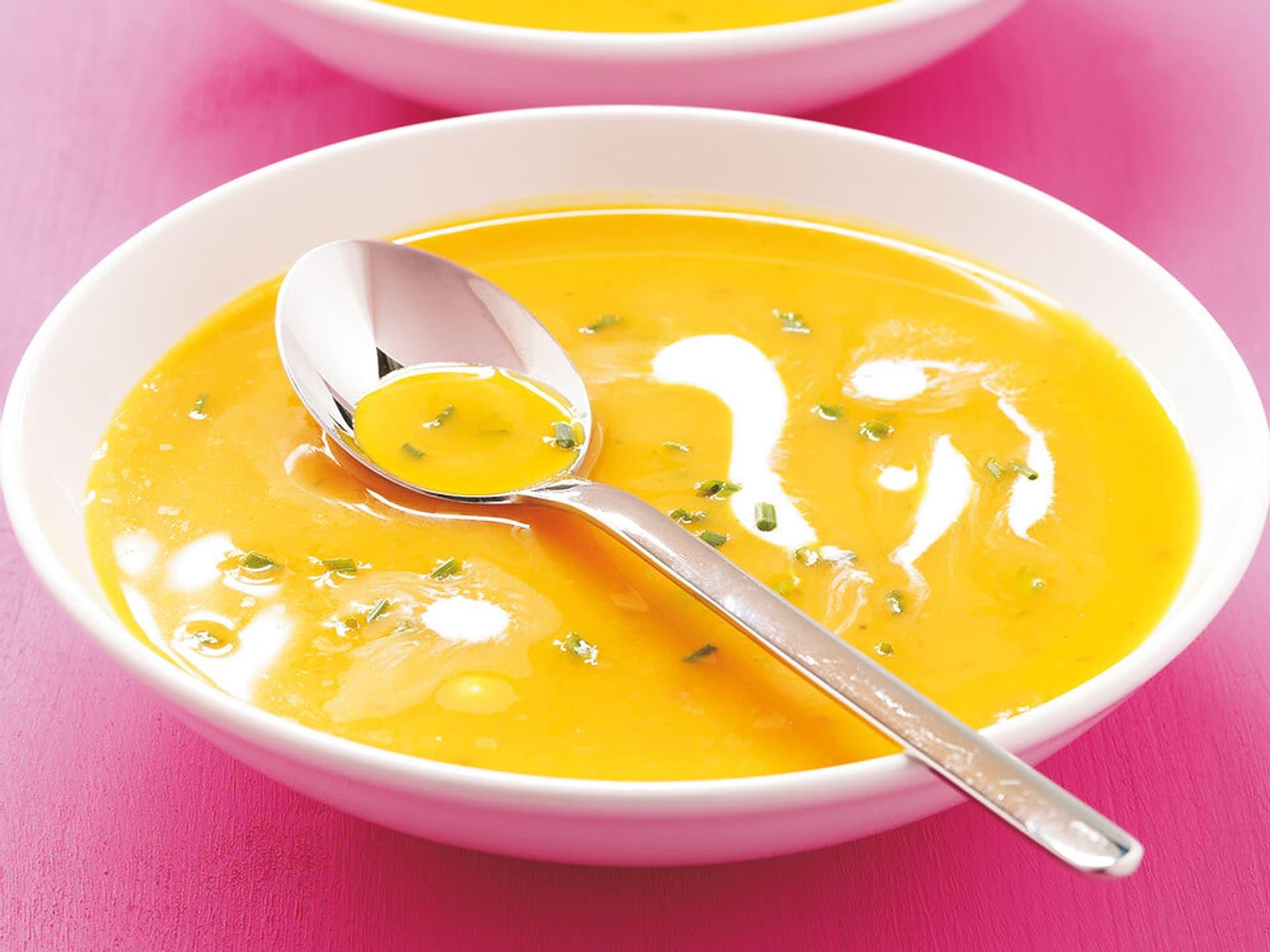 Kuerbis orangensuppe