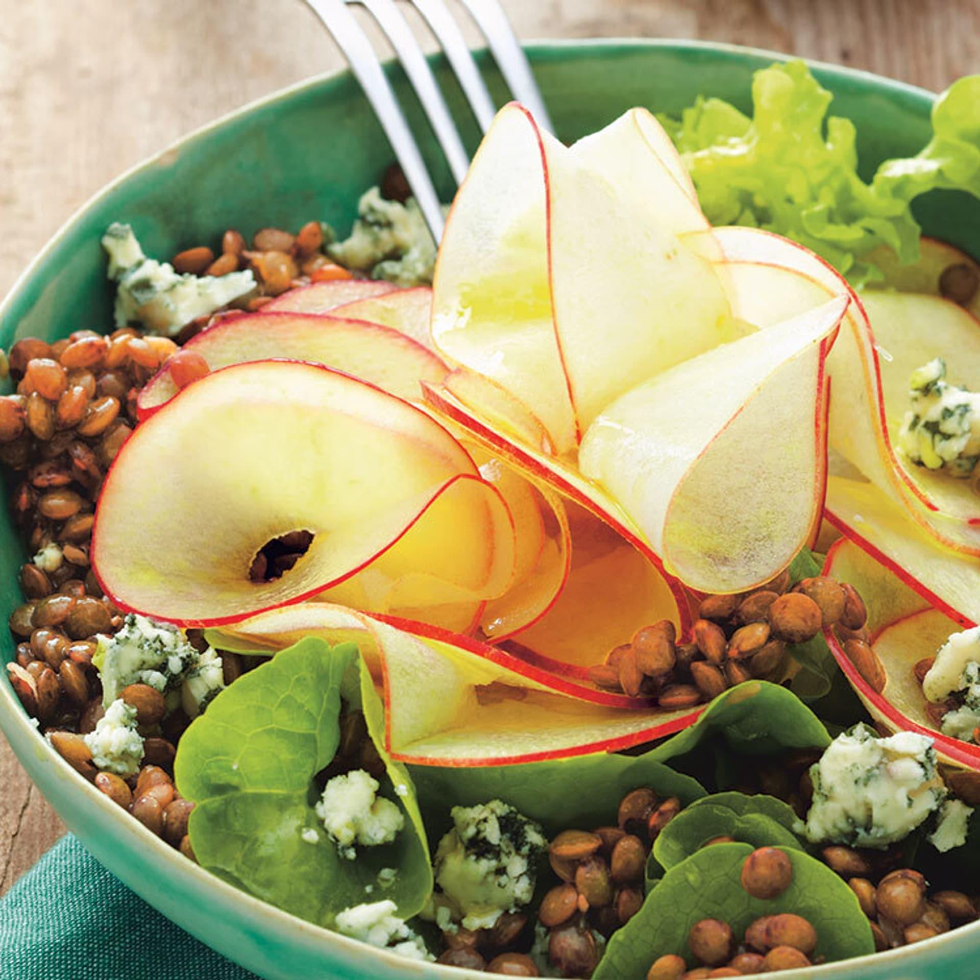 Linsensalat mit Blauschimmelkäse und Apfel