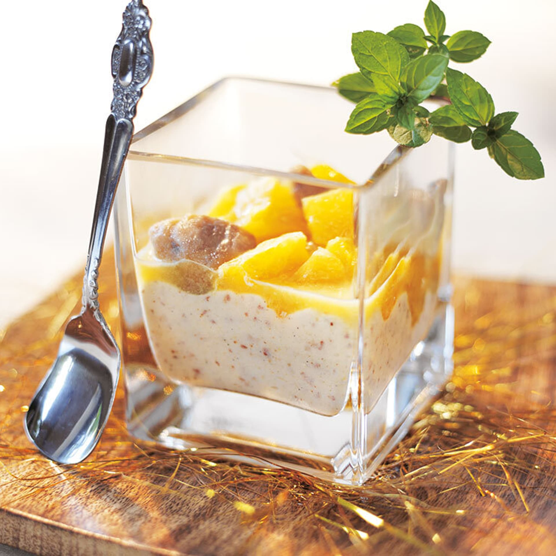 Mandelcreme mit Mandarinen-Maronen-Ragout