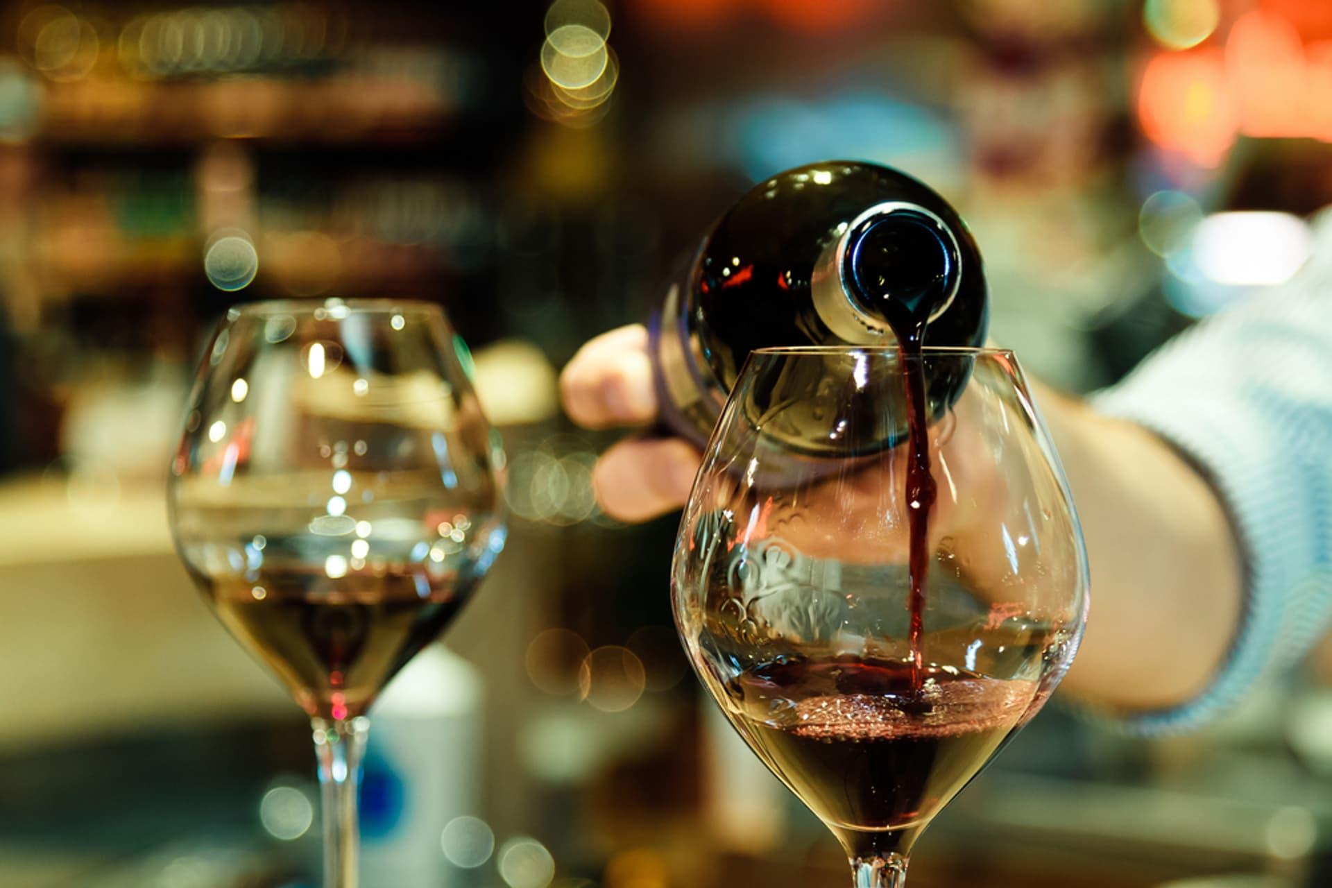 Wein rot c sama ja shutterstock 578684329