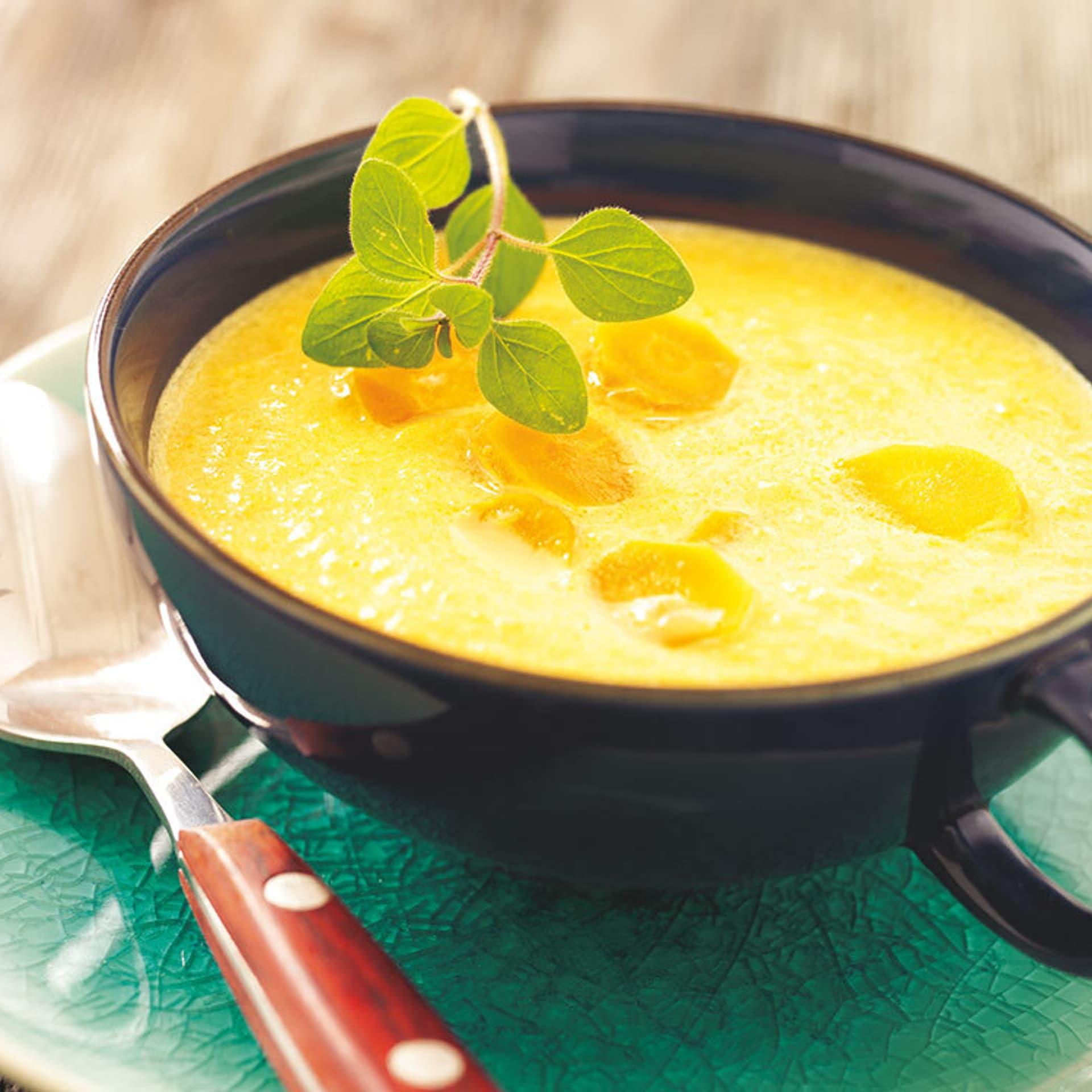 Möhren-Sellerie-Suppe