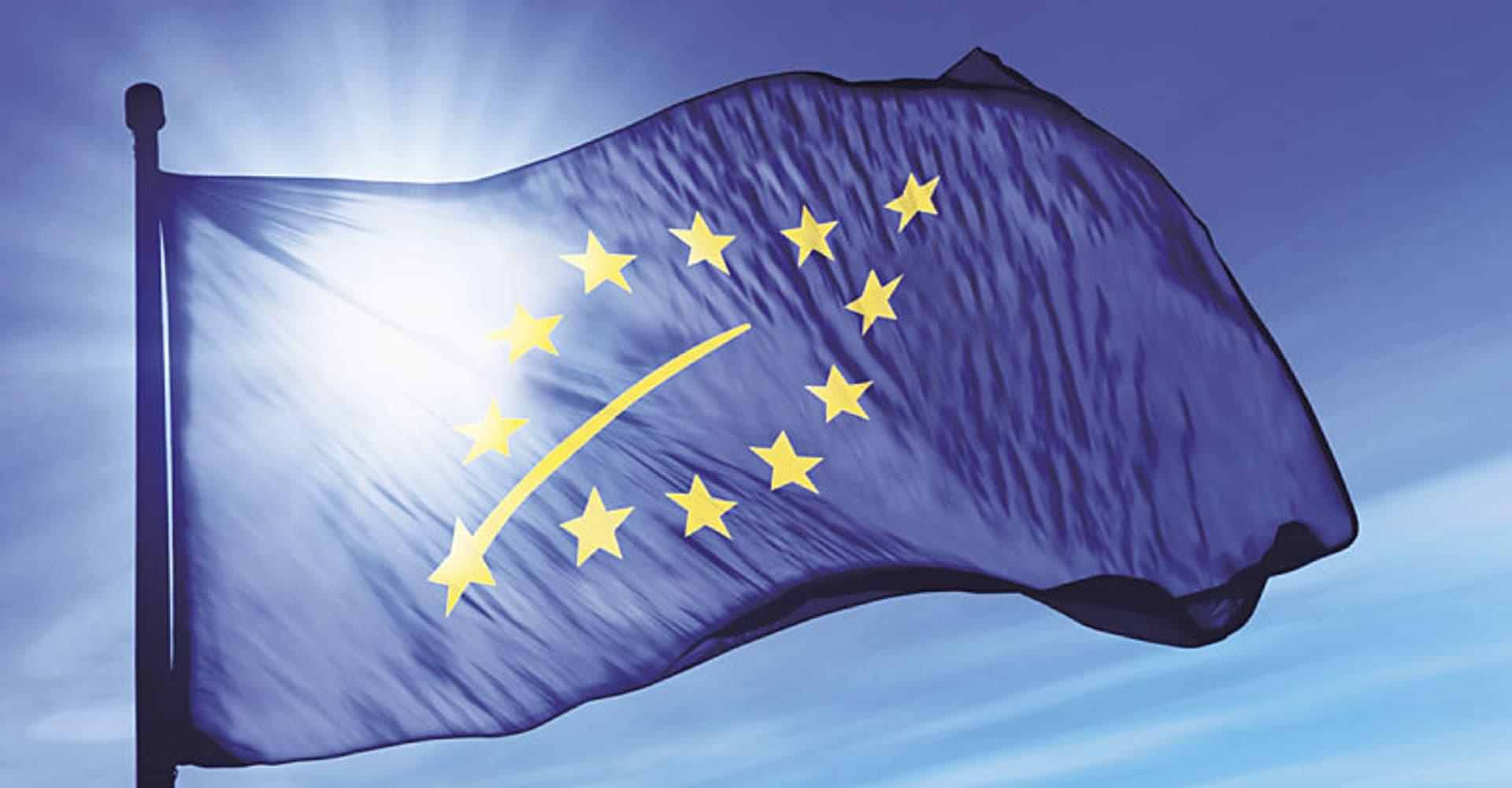 EU-Bio-Logo auf Fahne (Foto: Fotolia.com)