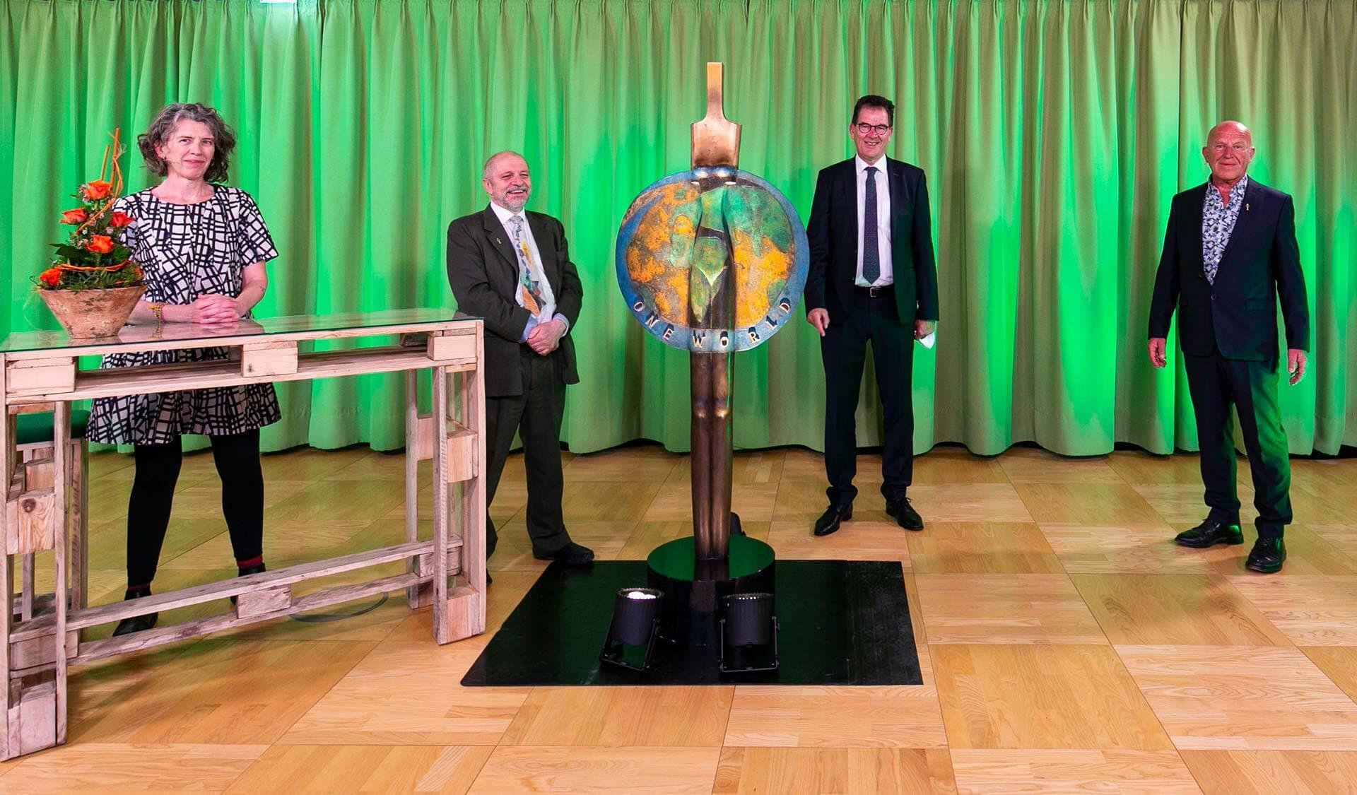 Bühne der Verleihung des One World Awards