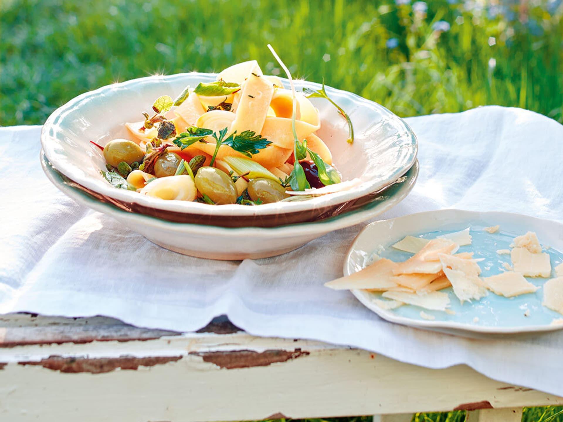 Pappardelle in Olivensoße