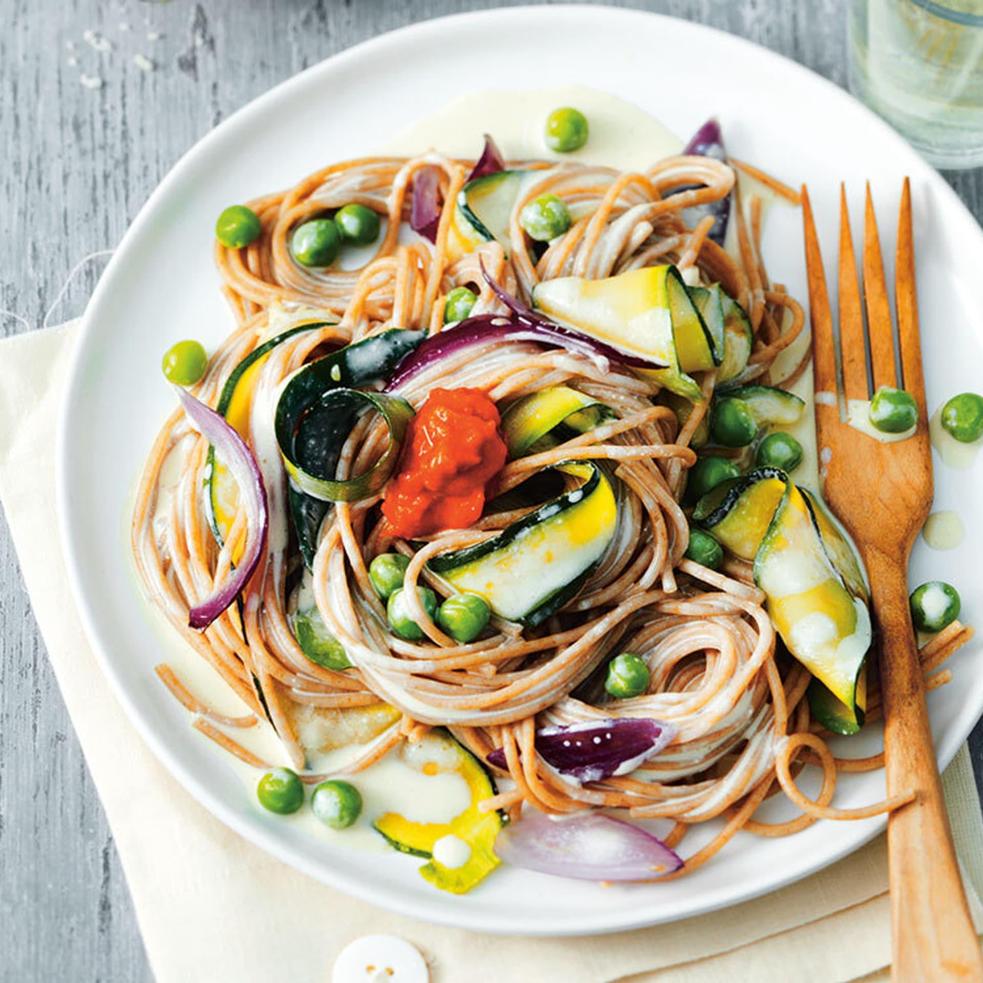 Ein Teller mit Spaghetti
