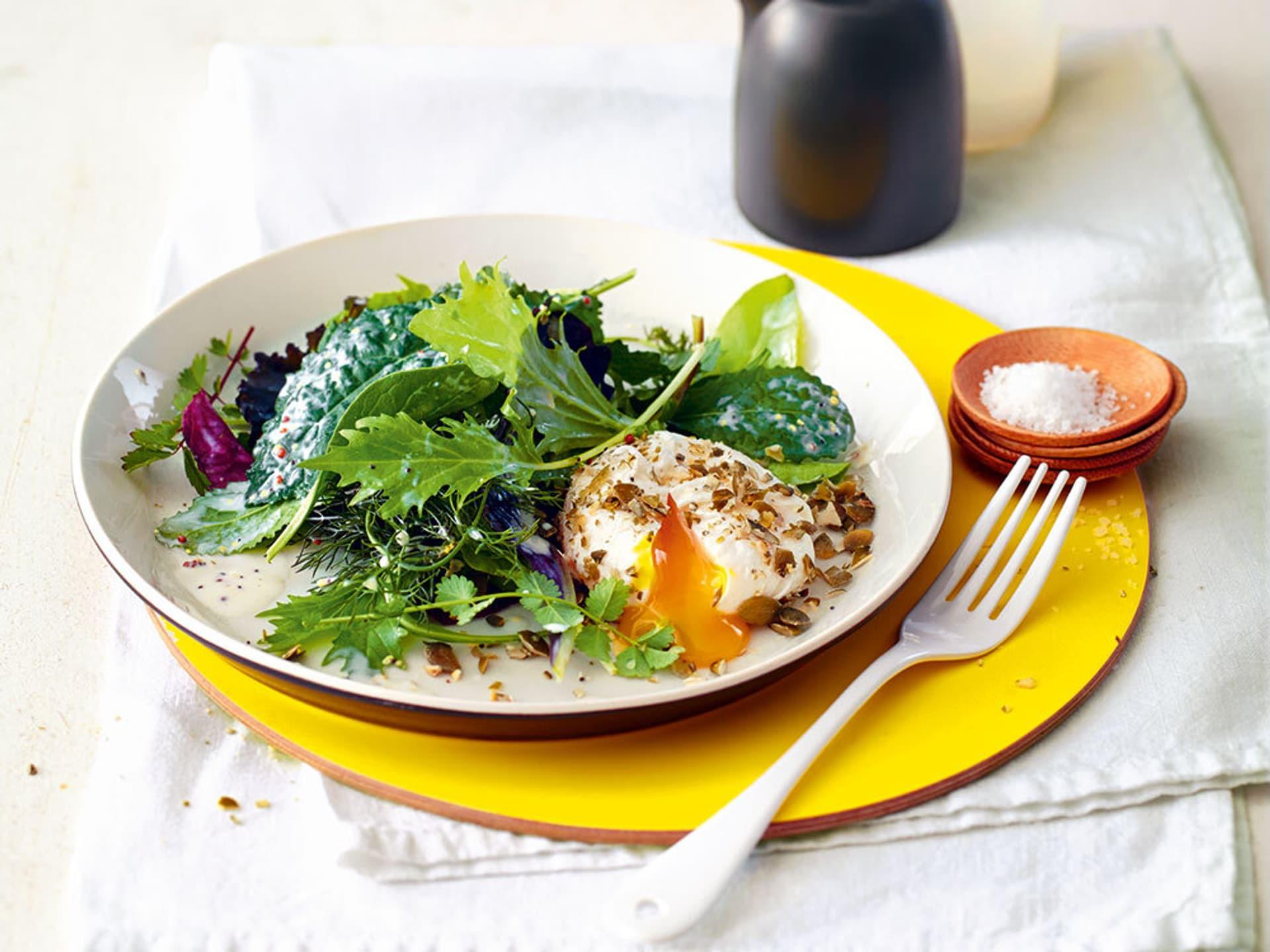 Pochiertes landei mit jungem salat