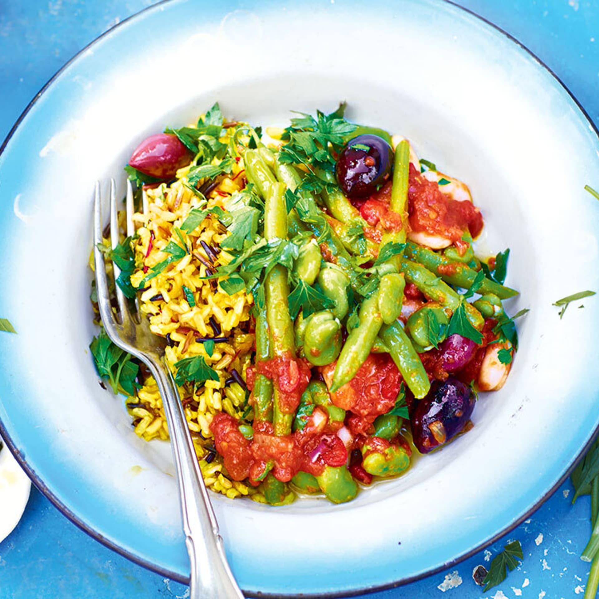 Reis mit Bohnen in Tomatensauce