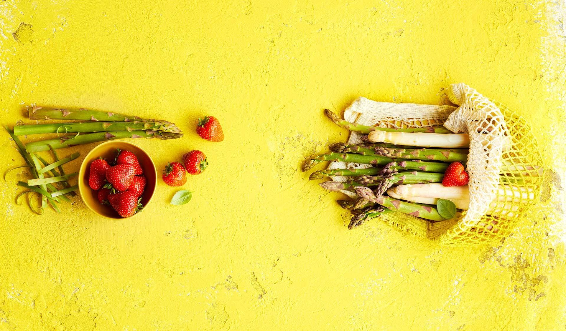 Spargel trifft Erdbeere (© Rezepte: Daniel Schwarz; Fotos: Katrin Winner)