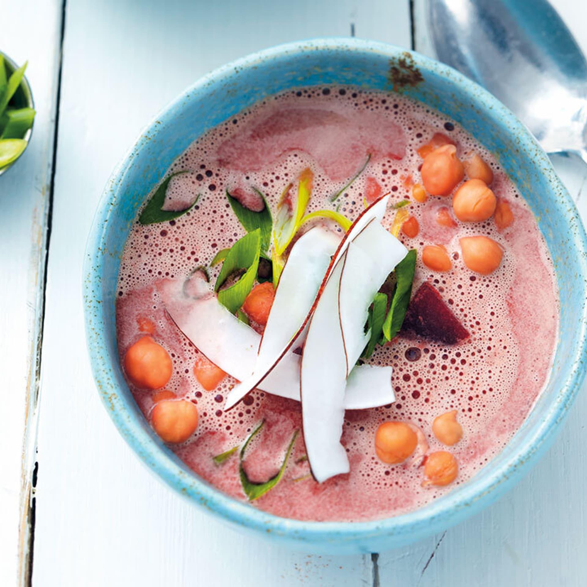 Rote-Bete-Suppe mit Kichererbsen