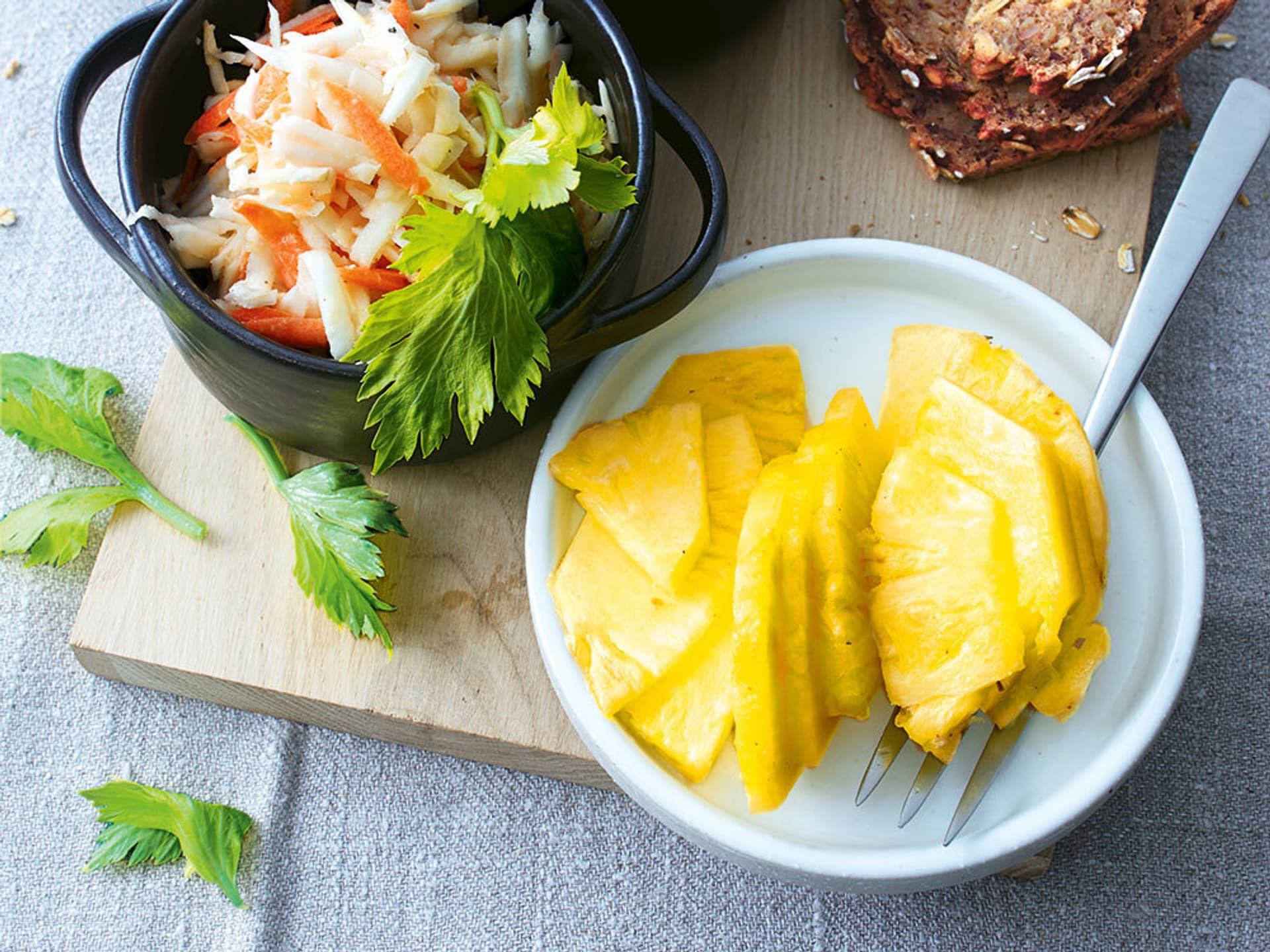 Sellerie-Ananas-Waldorfsalat