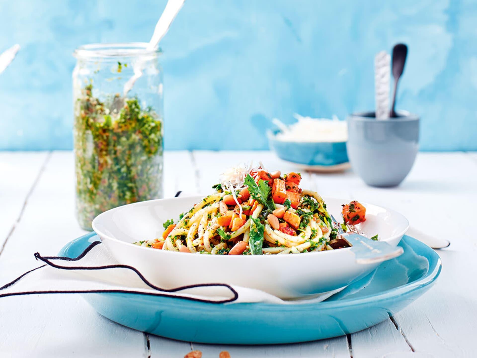 Spaghetti mit Grünkohlpesto