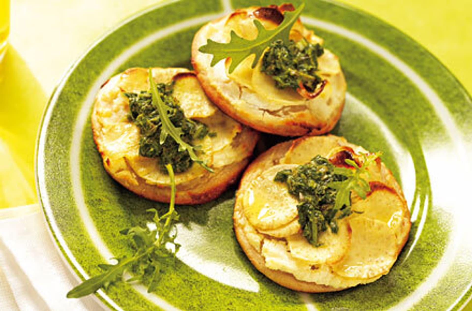 Suesskartoffelpizza mit rucola sosse