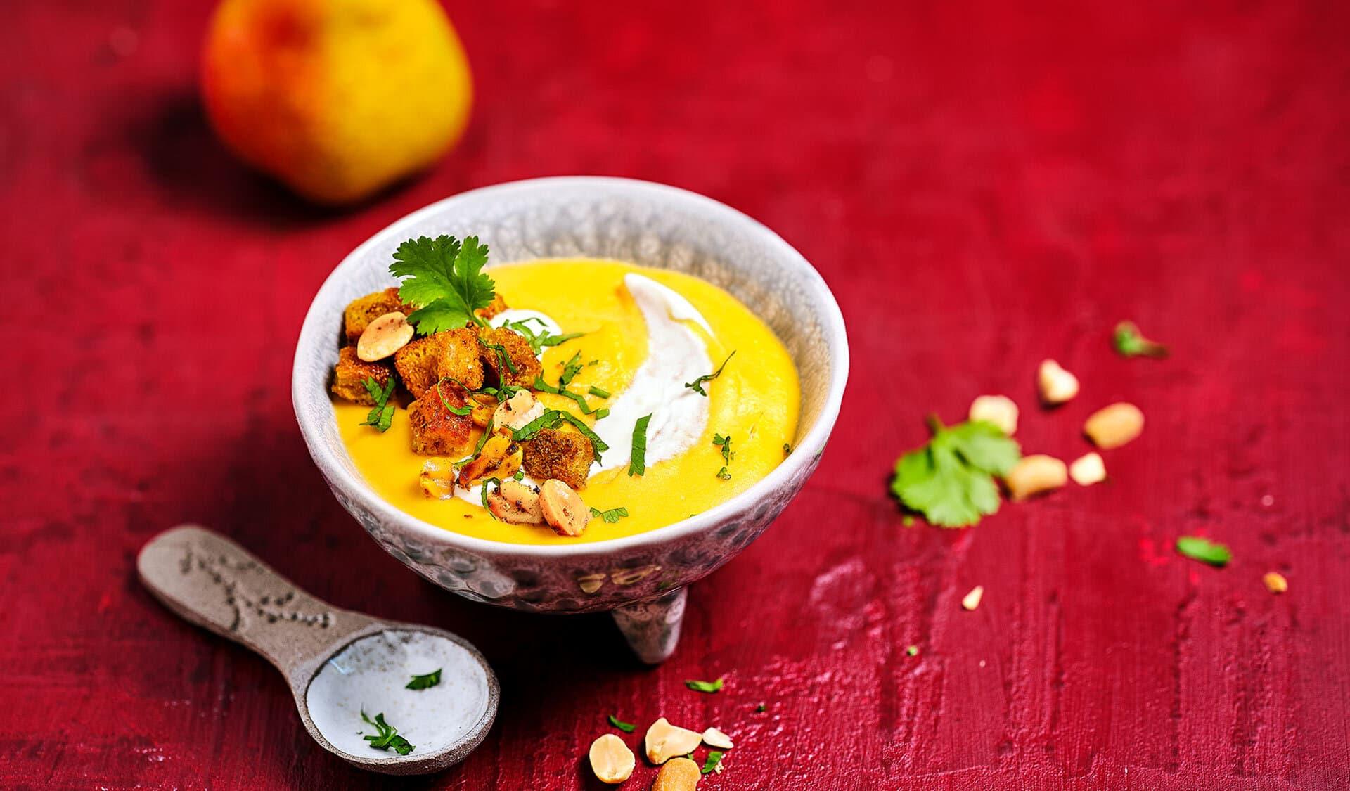 Suppe mit Birne & Croûtons