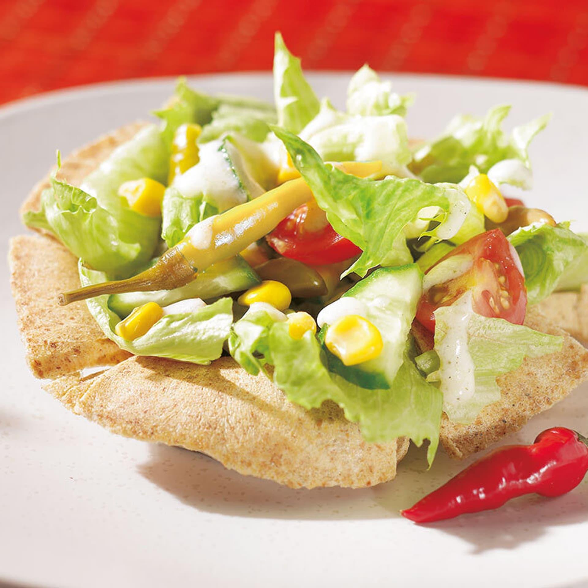 Tacoschale mit Salatfüllung