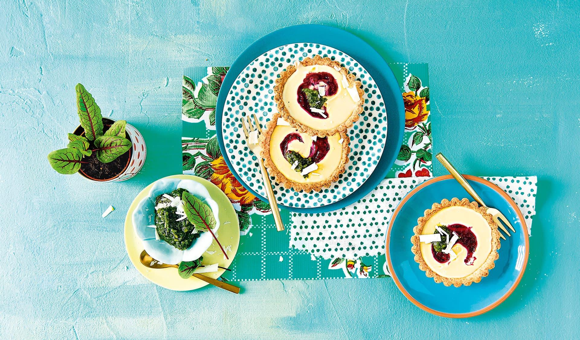 Tarteletts mit Schokocreme und Sauerampferpesto