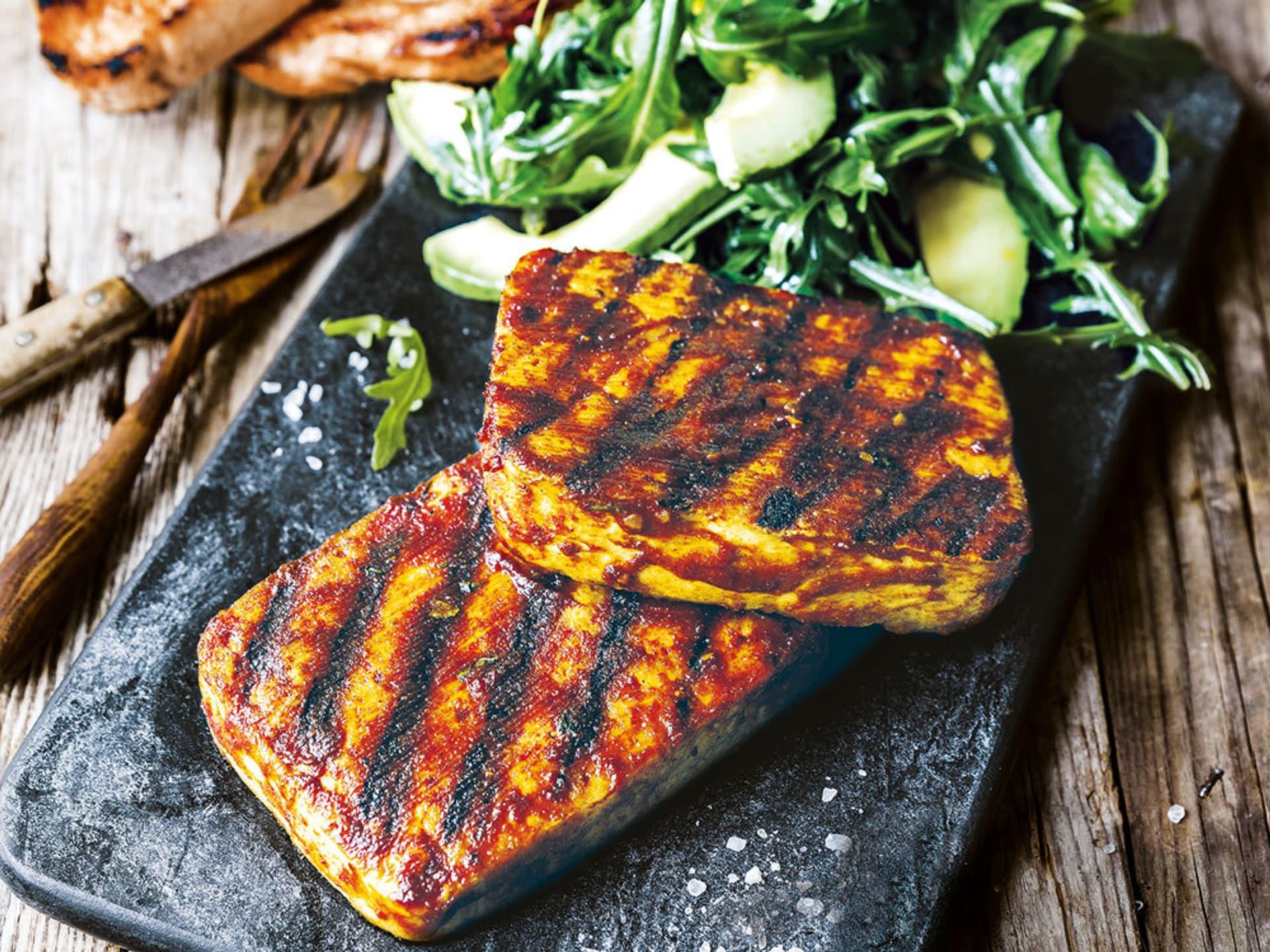 Tofu steak mit rucola salat