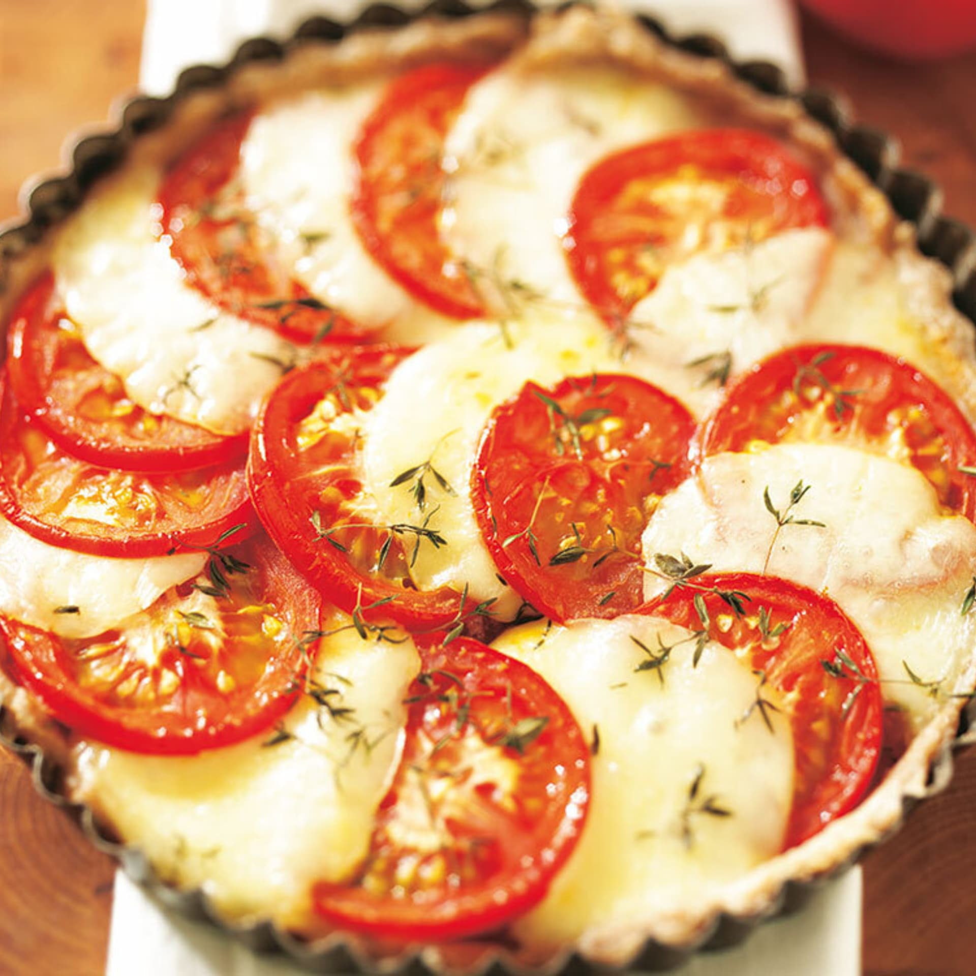 Tomaten-Mozzarella-Tarte mit Thymian