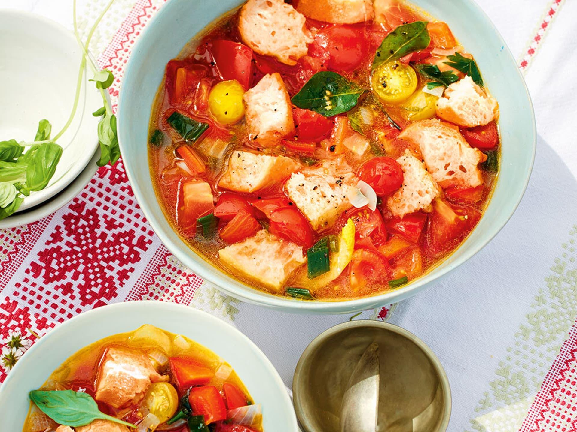 Tomaten-Paprika-Brotsuppe