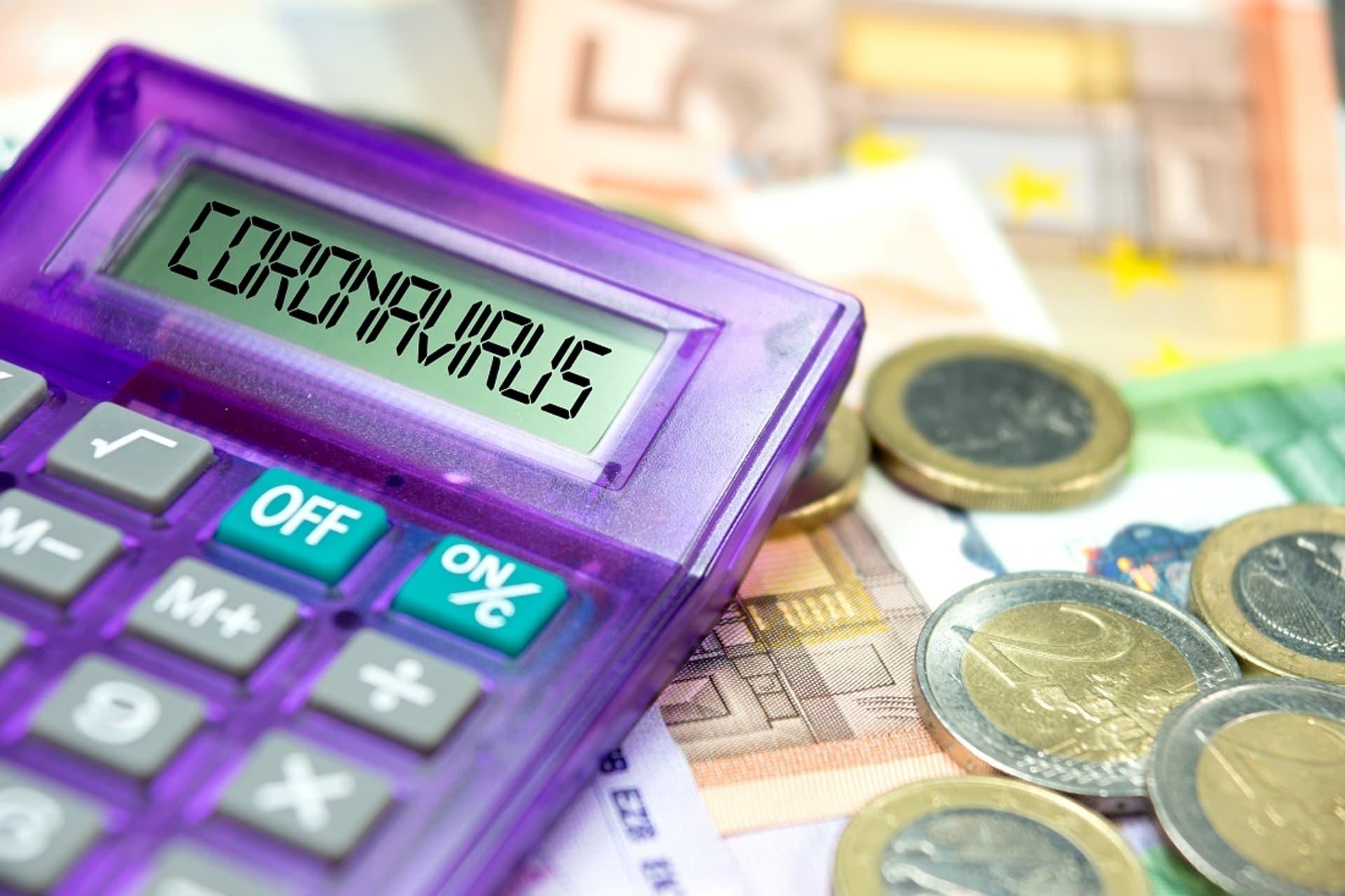 Taschenrechner mit Anzeige Coronavirus, Geld