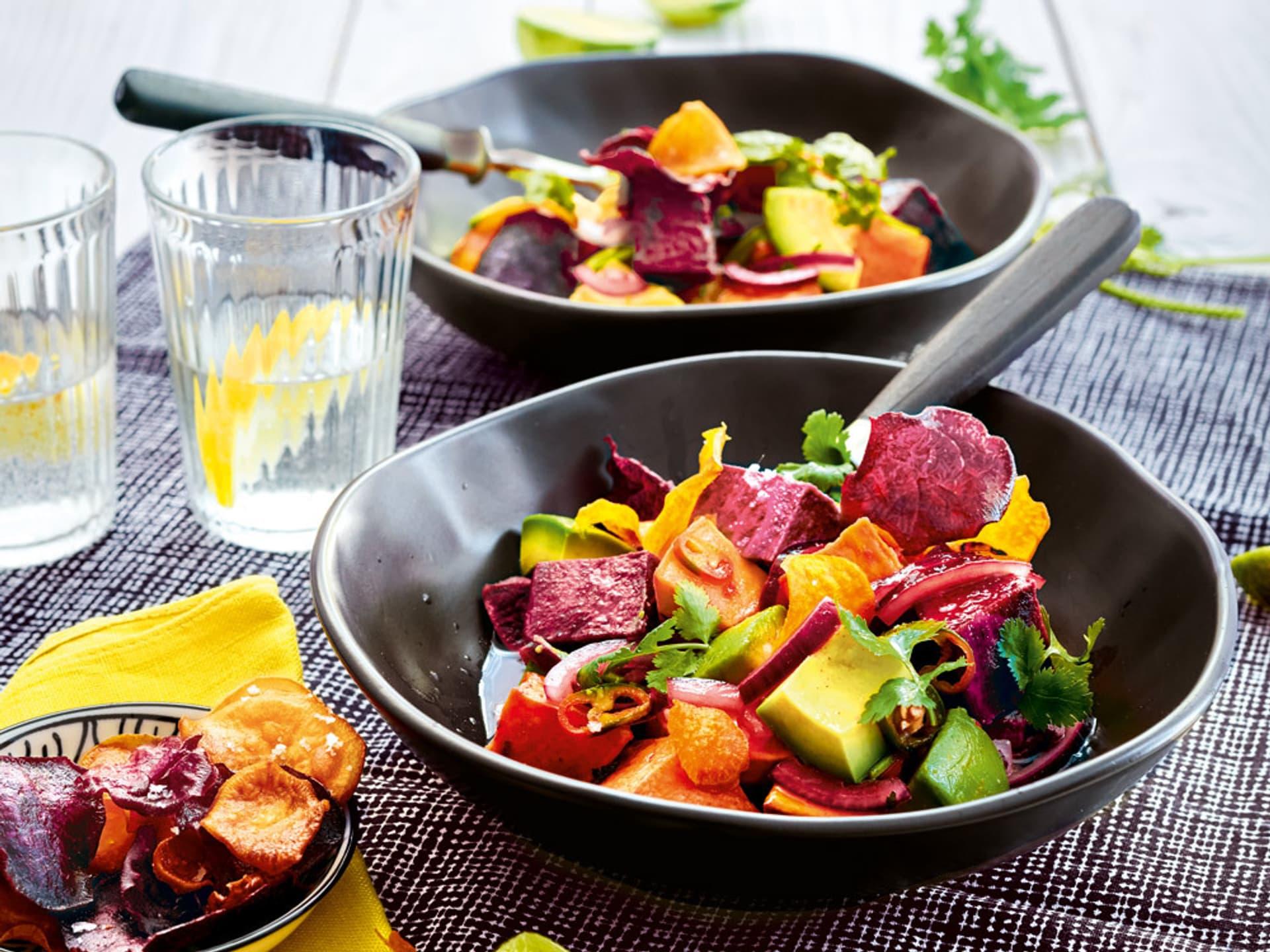 Buntes Gemüse in einer Bowl