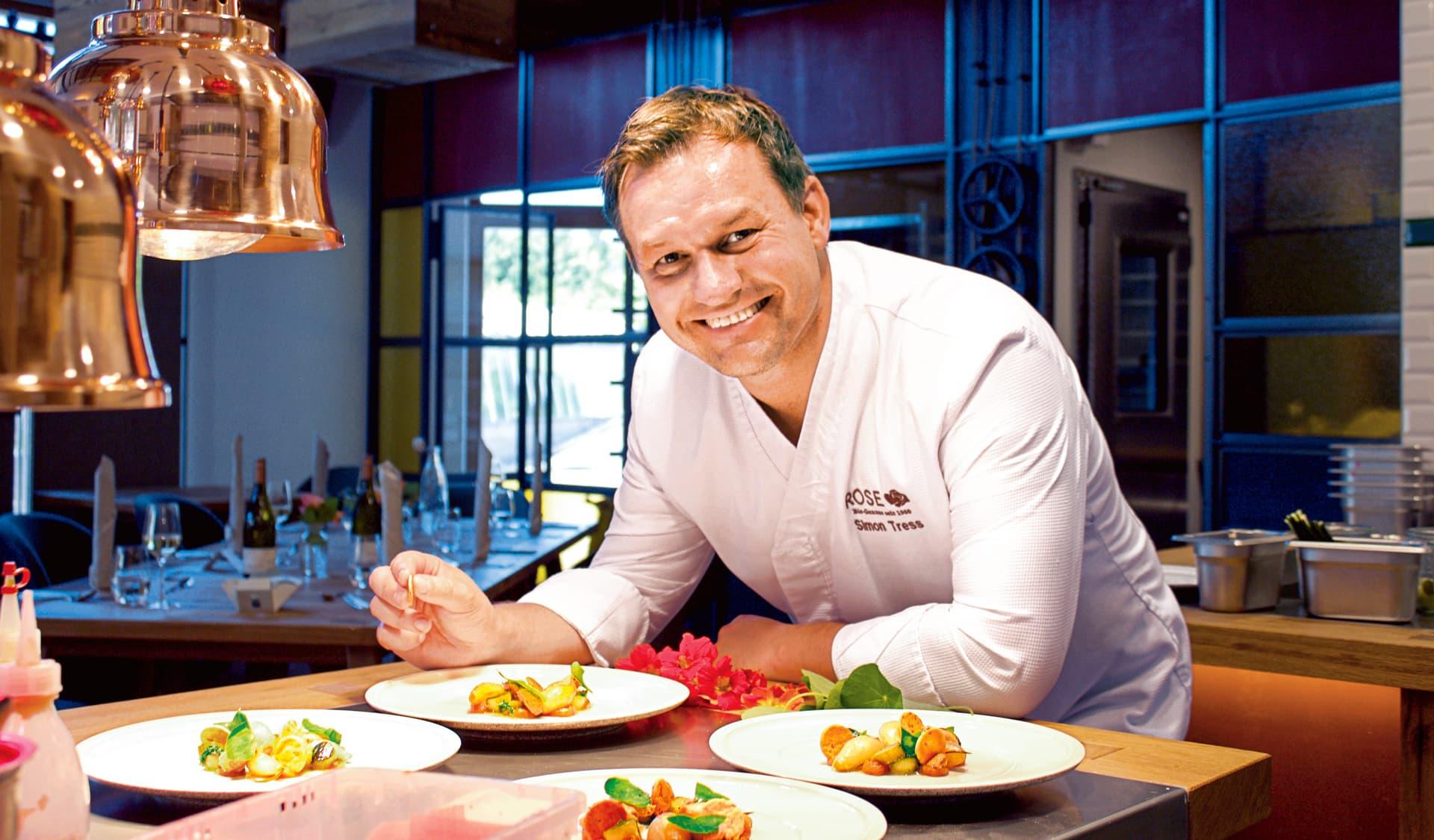Bio-Koch Simon Tress in seinem Restaurant