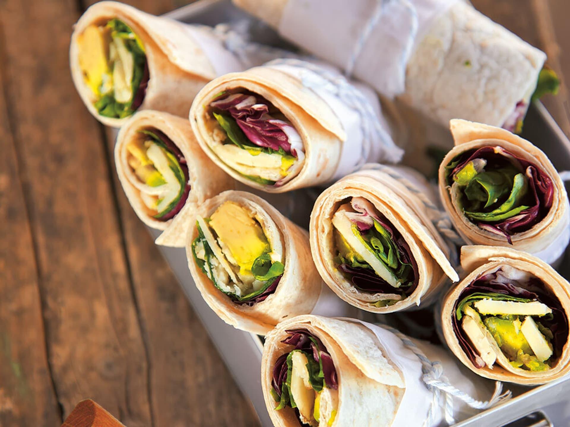 Wraps mit Avocado und Radicchio
