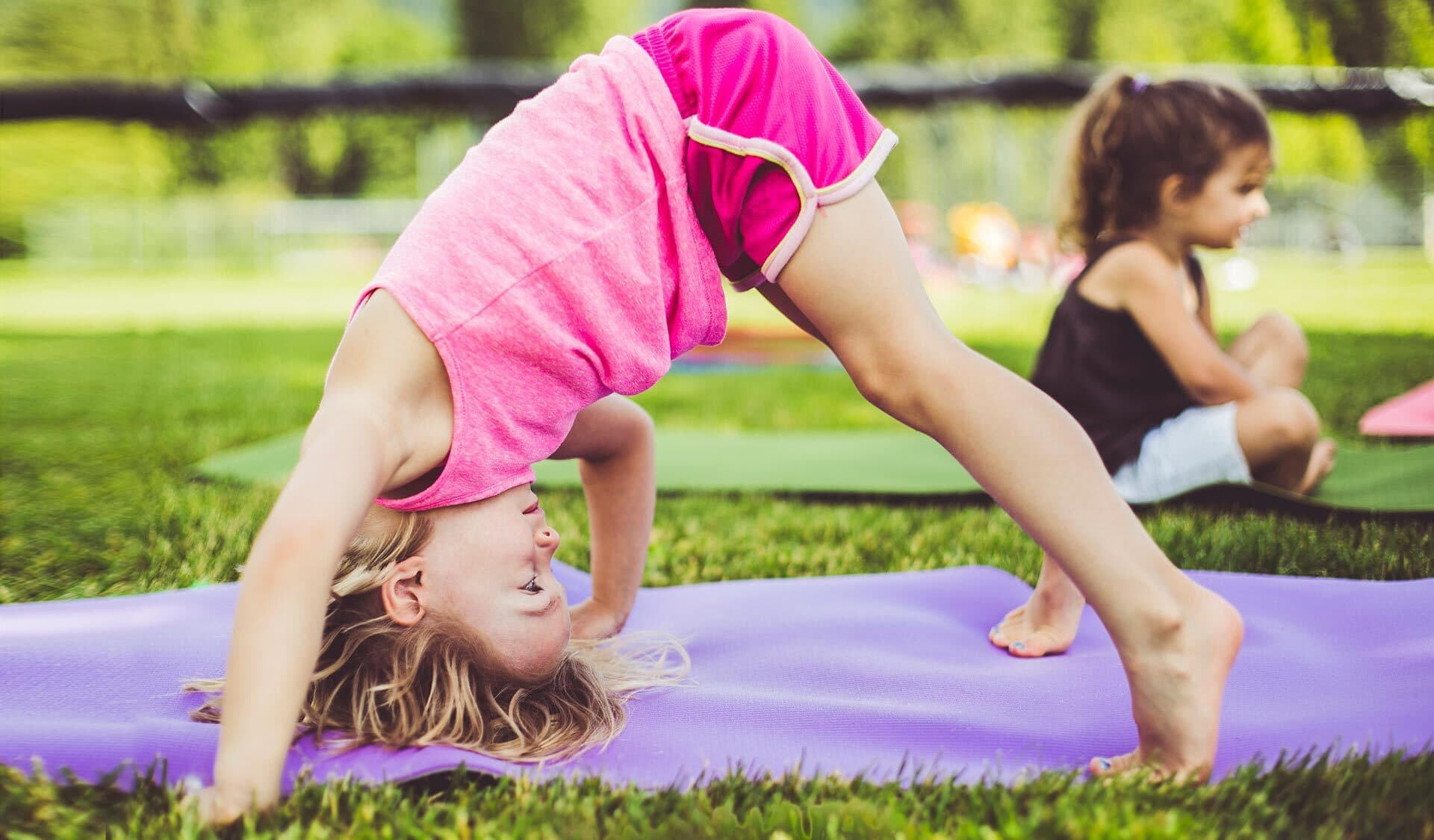 Kinder machen Yoga