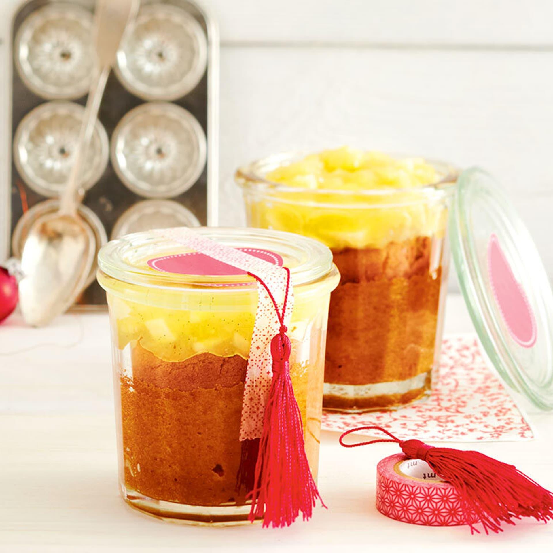 Zimtkuchen im Glas mit Vanille-Apfel-Kompott