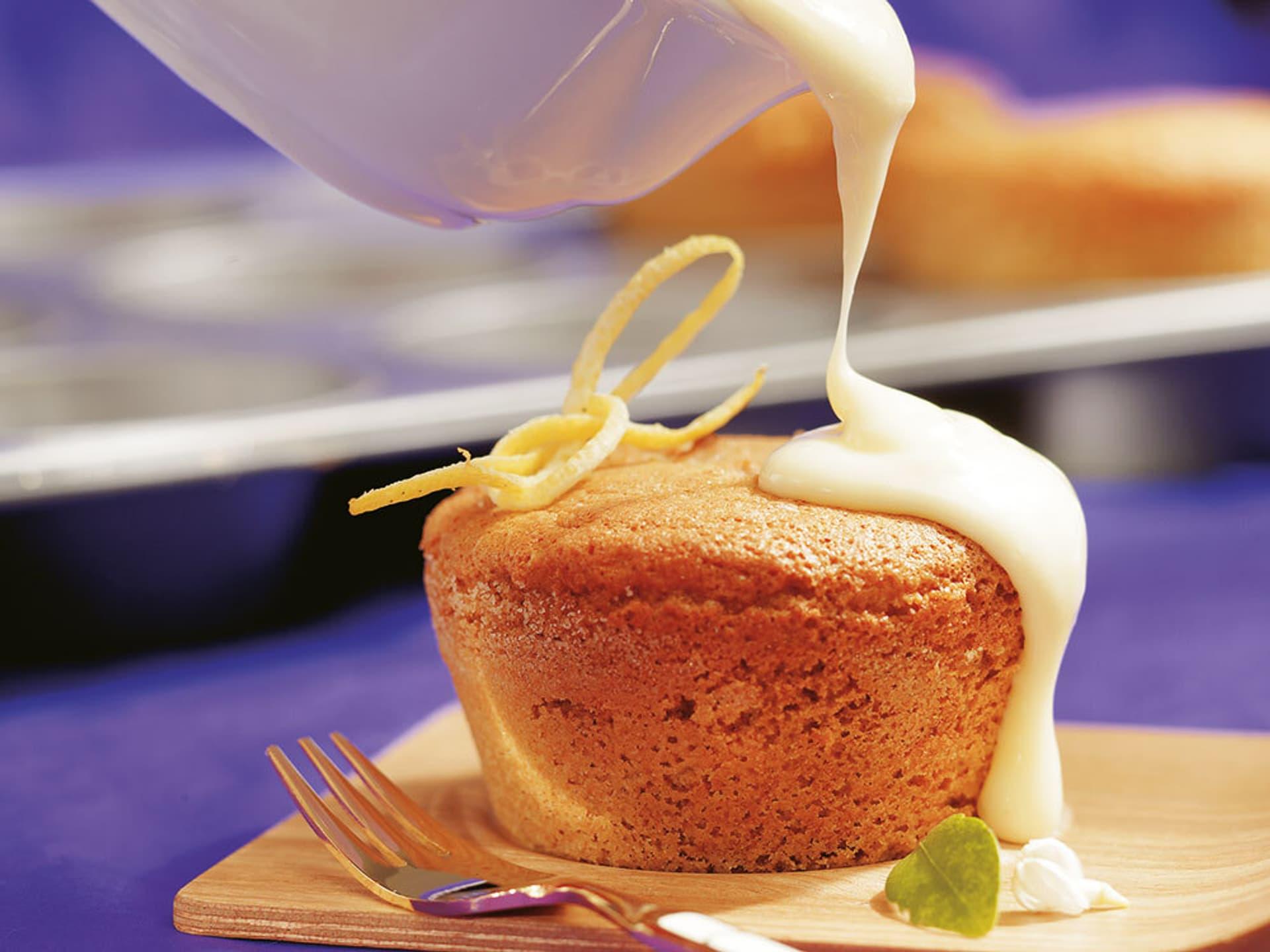 Zitronentörtchen mit warmer Vanillesoße