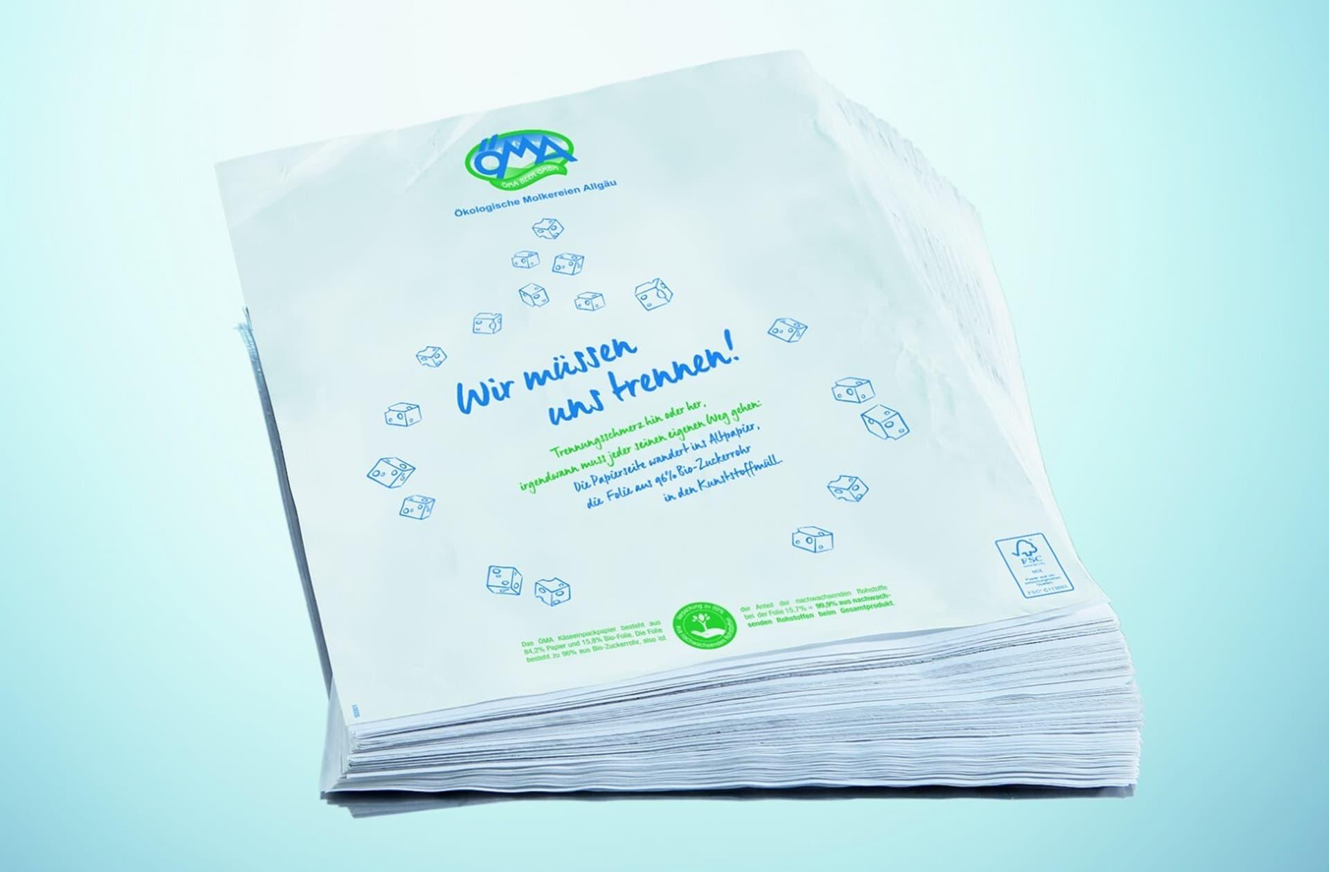Das neue ÖMA-Käseeinpackpapier. Die zwei Lagen müssen getrennt entsorgt werden.