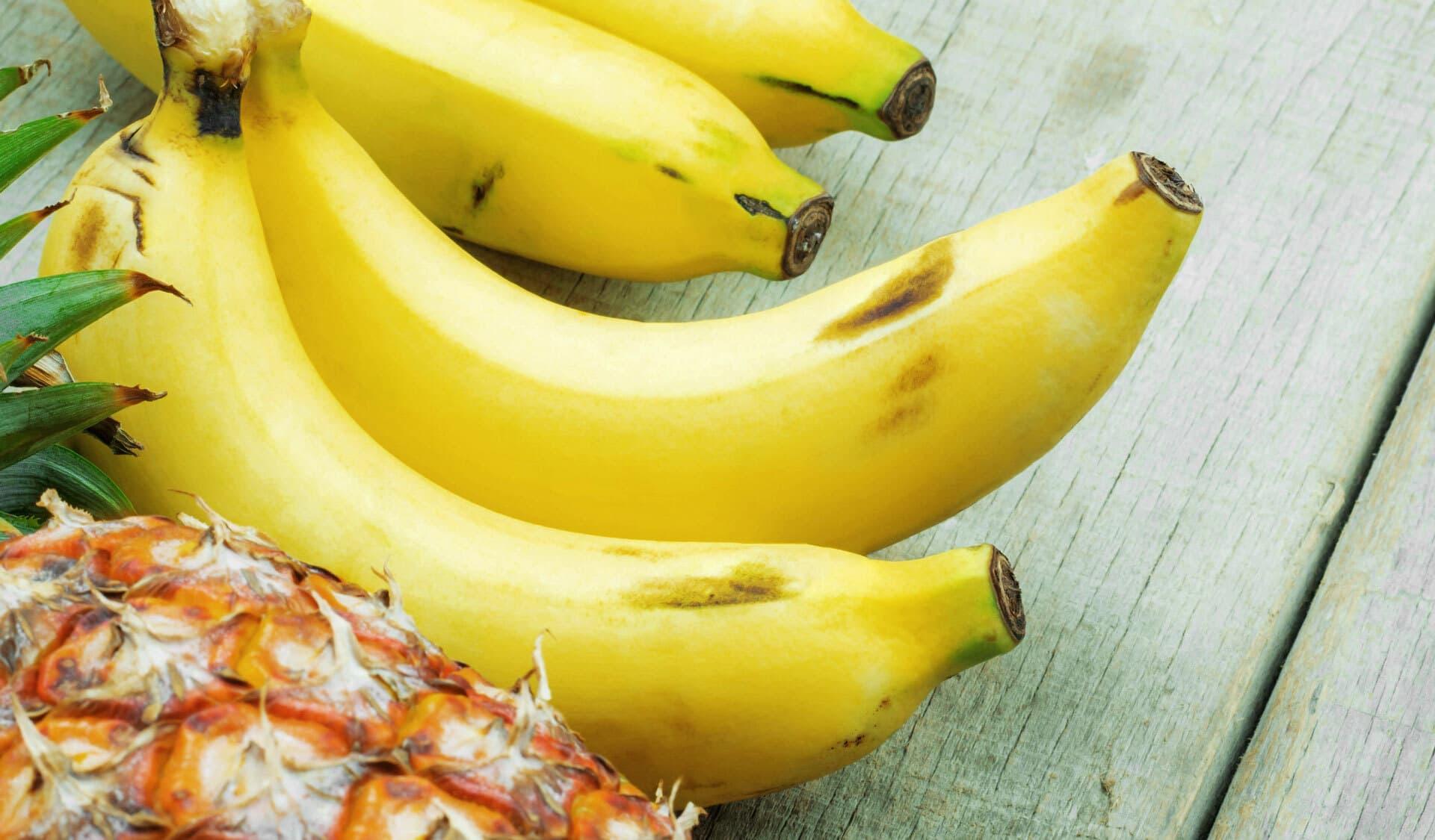 Exotische Früchte, Banane, Ananas