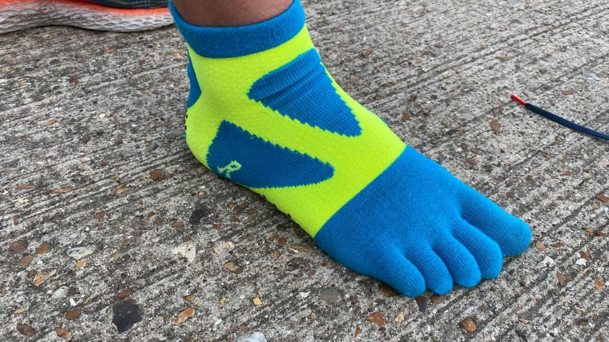 Yamatune socks outside and active 2