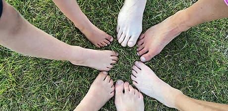 Barefoot run sml