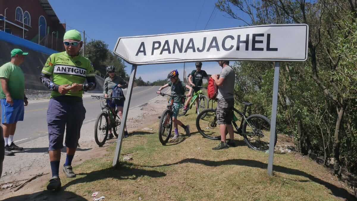 Atitlan Panajachel mountain bike family