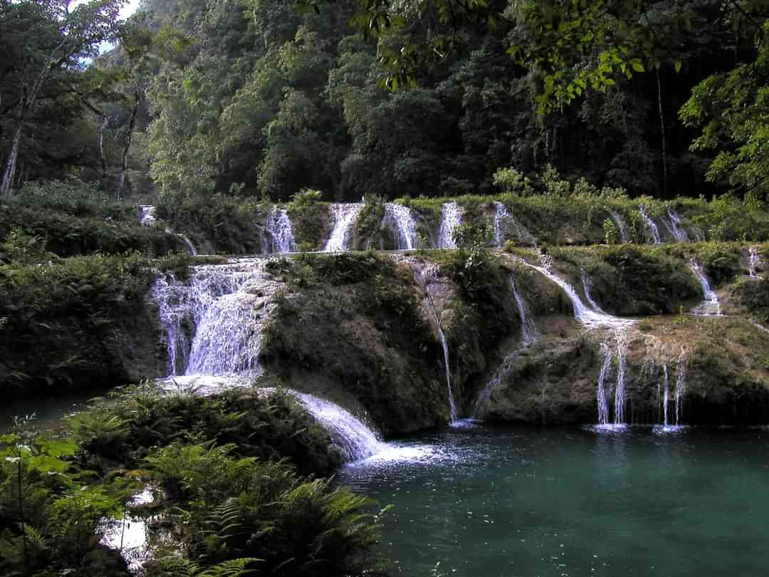 Coban Semuc Champey Waterfalls feature
