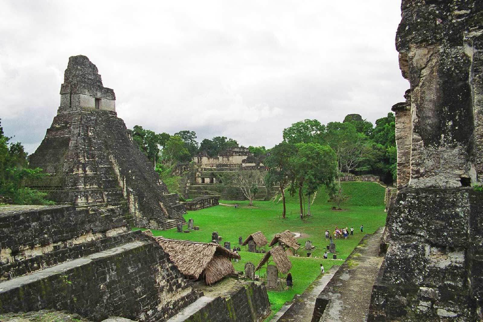 Tikal temple jaguar
