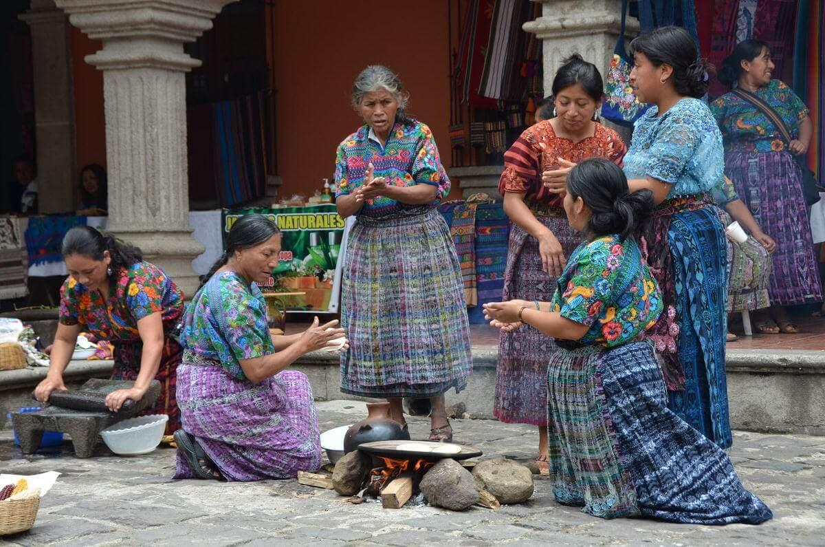 Valley ride mayan weavers san antonio