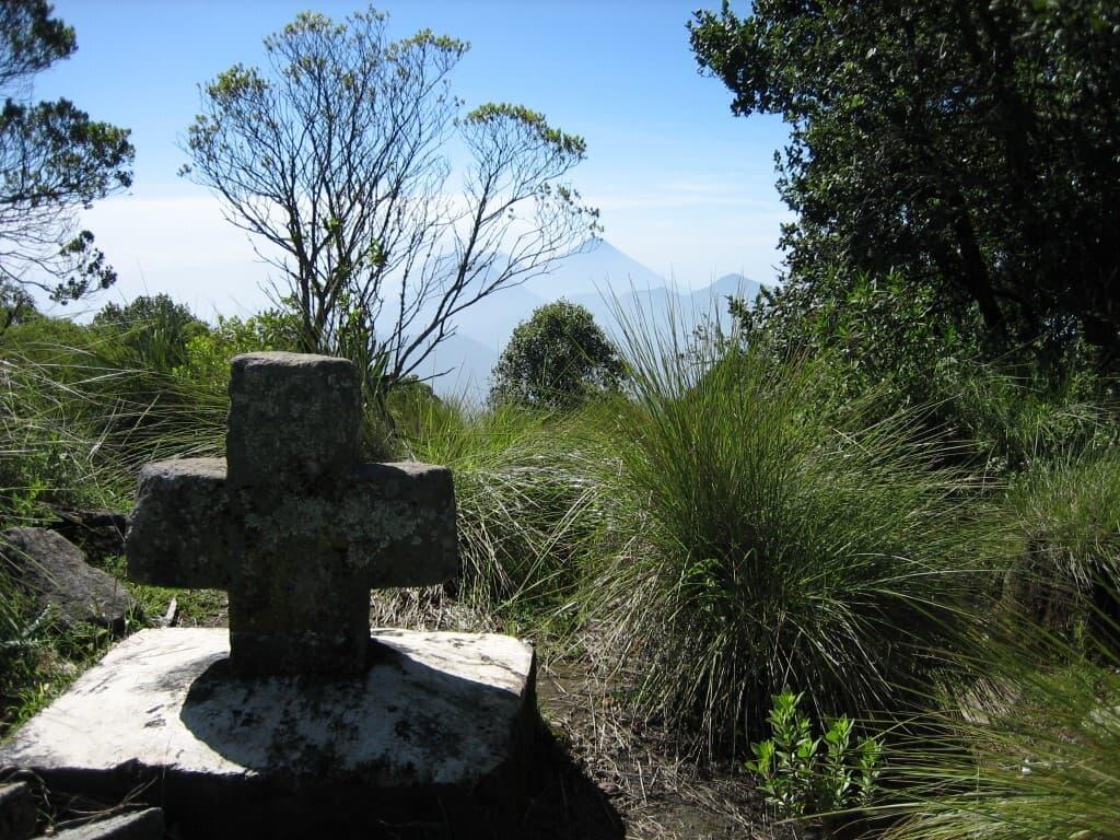 WMHT 7 Crosses Trail