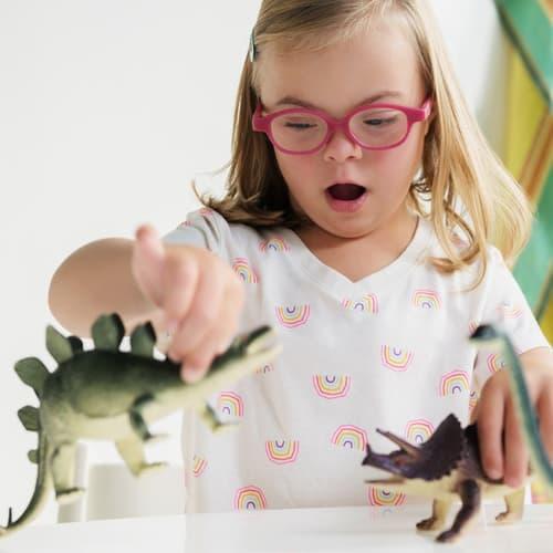 DSAMN Thumnail Square girl dinosaurs